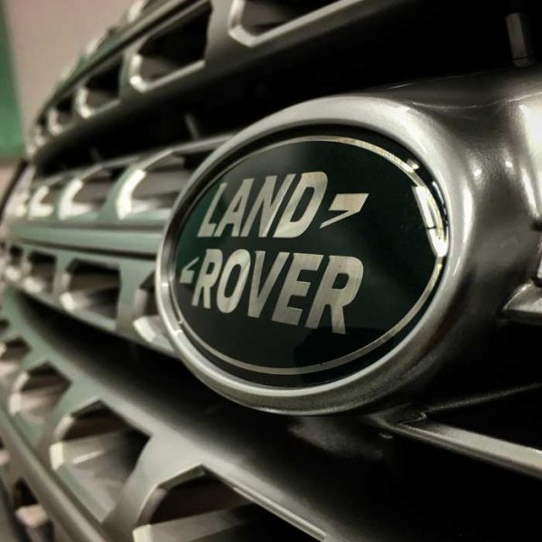 Land Rover Grill | Autobuf Fine Detailing & Restyling